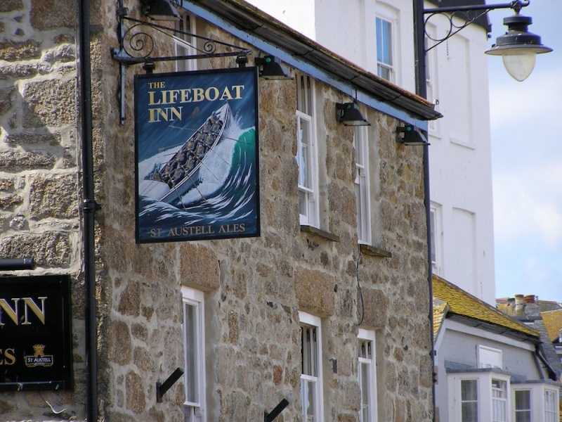 Name:  the-lifeboat-inn-eat-drink-bars-pubs-large.jpg
