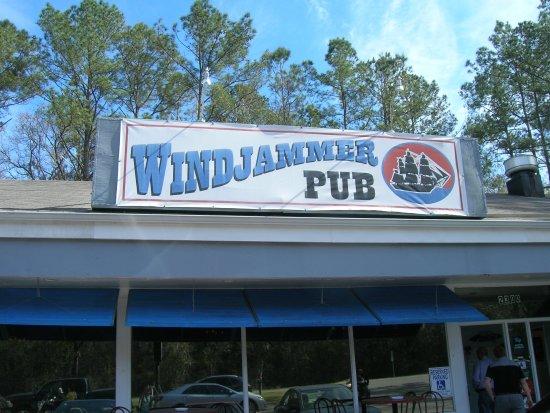 Name:  windjammer-pub.jpg Views: 36 Size:  61.8 KB