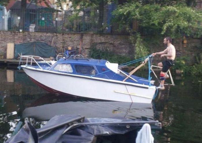 Name:  joke-funny-photo-Proper-pedal-boat.jpg Views: 154 Size:  56.8 KB