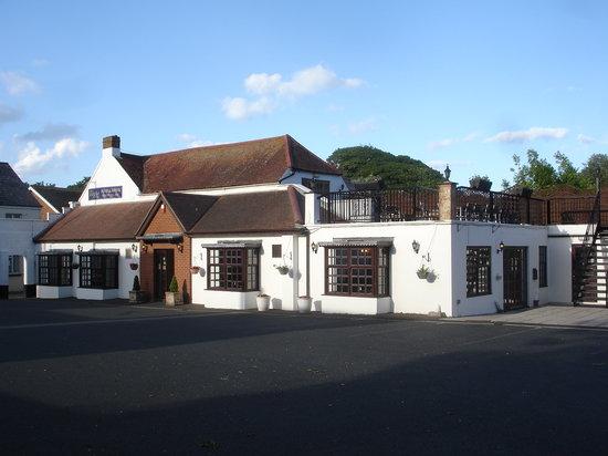 Name:  the-eight-bells-pub.jpg Views: 26 Size:  38.9 KB