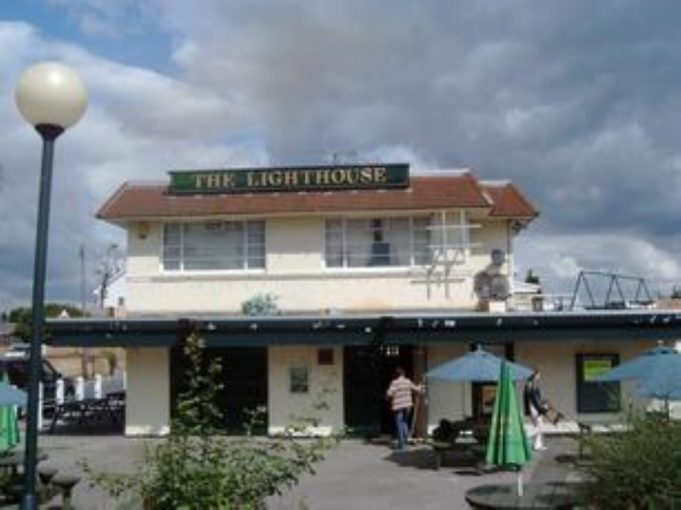 Name:  lighthouse_pub_Benfleet.jpg