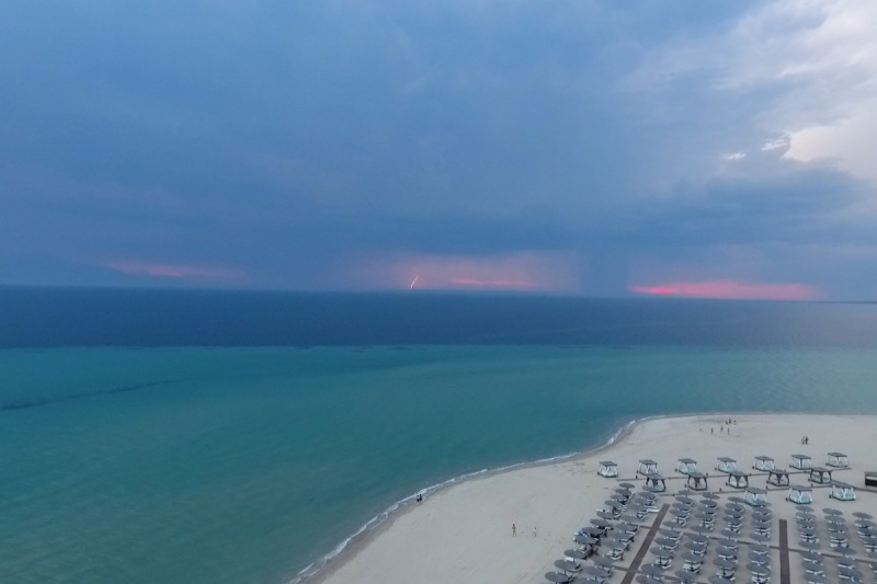 Name:  DJi4_Storm-in-the-sea-1200x800.jpg Views: 51 Size:  74.9 KB