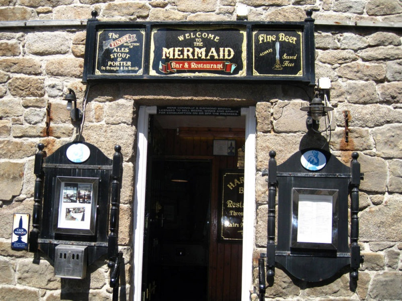 Name:  isles-of-scilly-the-mermaid-bars-pubs-1393-large.jpg