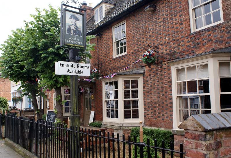 Name:  pub-2-1.jpg Views: 156 Size:  266.2 KB