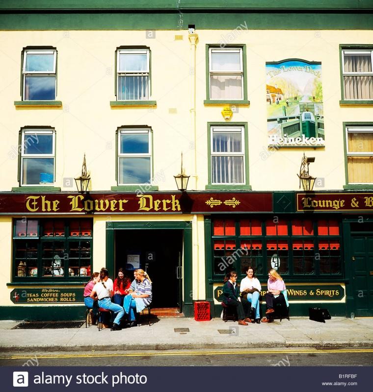 Name:  a-pub-in-dublin-called-the-lower-deck-B1RFBF.jpg Views: 26 Size:  253.0 KB