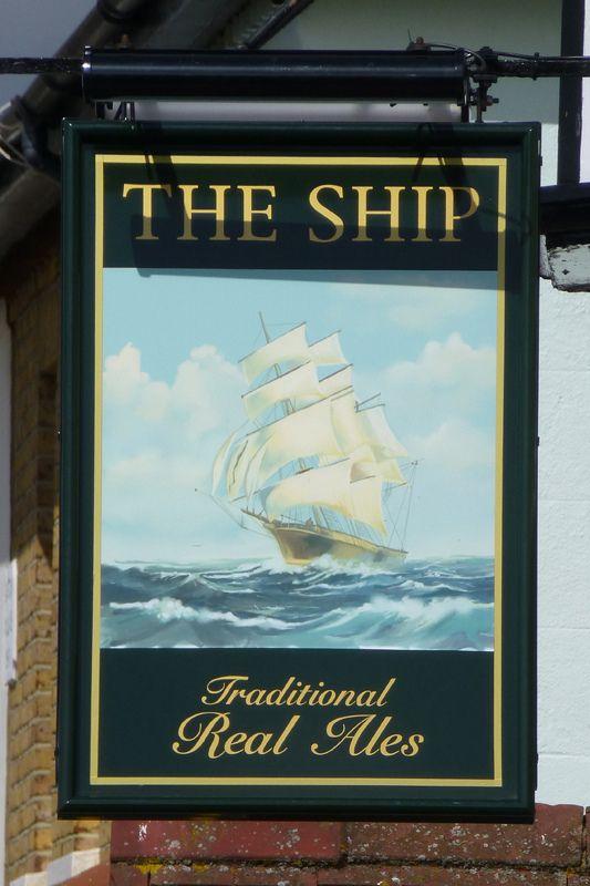 Name:  The ship lee on sea.jpg Views: 45 Size:  64.6 KB