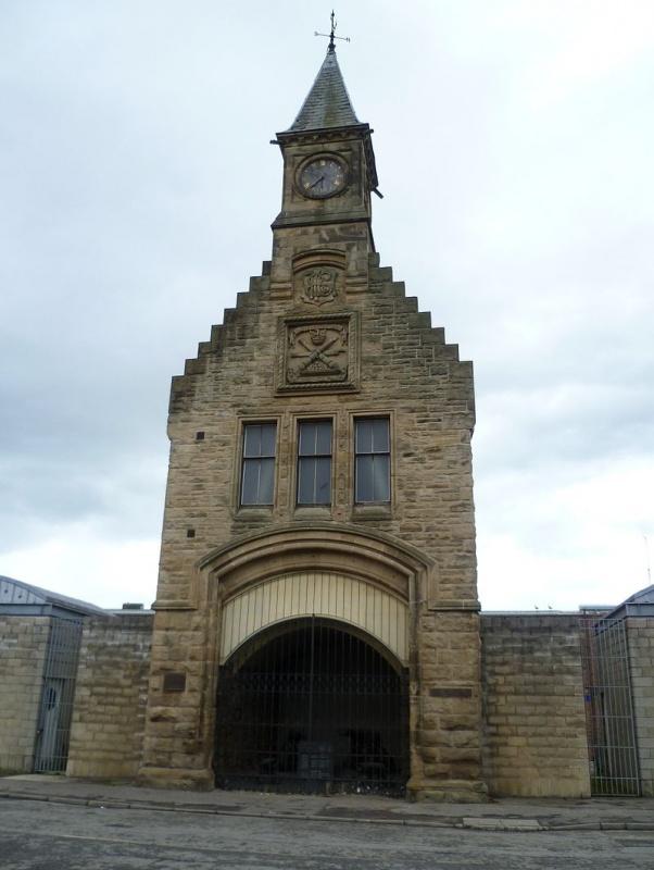 Name:  800px-Clocktower_entrance_to_the_former_Carron_Works,_near_Falkirk.jpg Views: 209 Size:  123.7 KB
