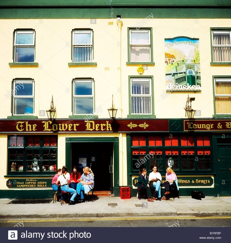 Name:  a-pub-in-dublin-called-the-lower-deck-B1RFBF.jpg Views: 31 Size:  253.0 KB