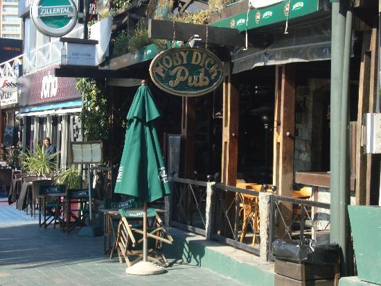 Name:  moby-dick-pub.jpg Views: 28 Size:  52.9 KB