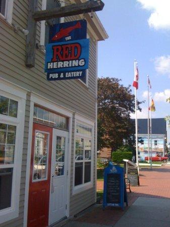 Name:  the-red-herring-pub.jpg Views: 86 Size:  34.0 KB