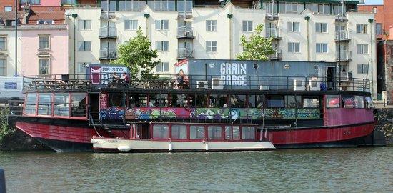Name:  grain-barge.jpg Views: 1026 Size:  50.7 KB