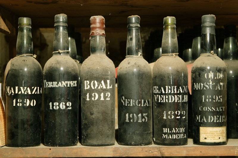 Name:  VintageBottles-Photo-credit-to-Associacao-de-Promocao-da-Madeira.jpg