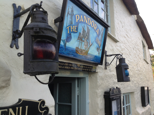 Name:  pandora_inn_mylor_falmouth_tweed_pig_1.JPG